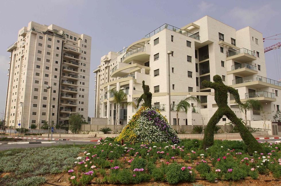 Кредиты на жилье в израиле время в оаэ дубай