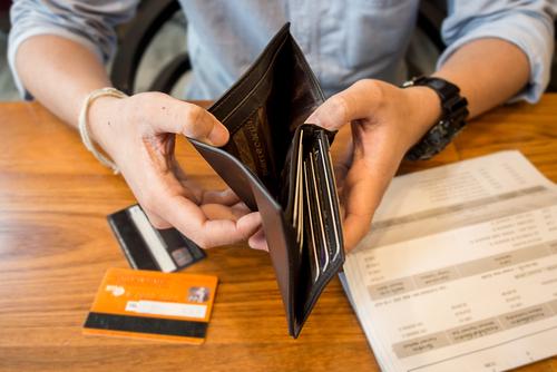 В каких случаях могут снять деньги со счета и на основаниях